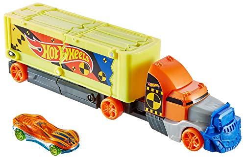 Hot Wheels GCK39 - Super Stunt Transporter, Auto Spielzeug ab 3 Jahren