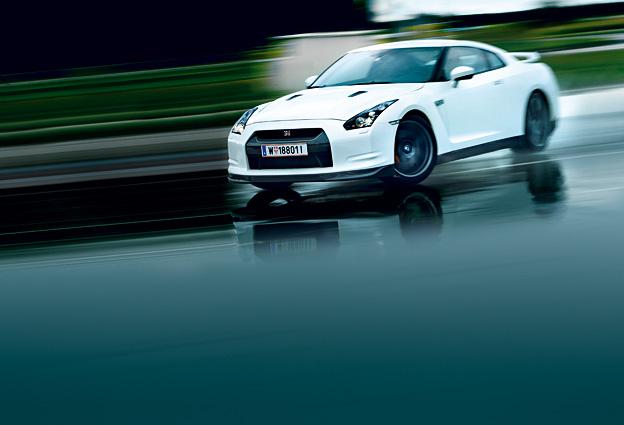 Nissan-GTR-(AR)_15