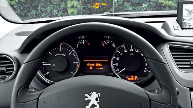 Peugeot-5008-innen2-Werk