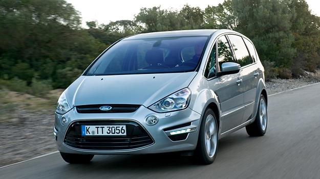 Ford S-Max fahrend