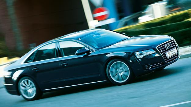 Audi-A8_1-AR