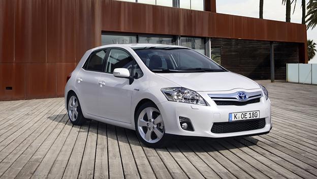Toyota_Auris_Hybrid_2_