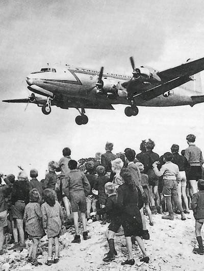 Zeitmaschinenn Saab 1949 Luftbrücke