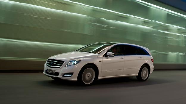 Mercedes-Benz R-Klasse Exterieur Dynamisch Seite
