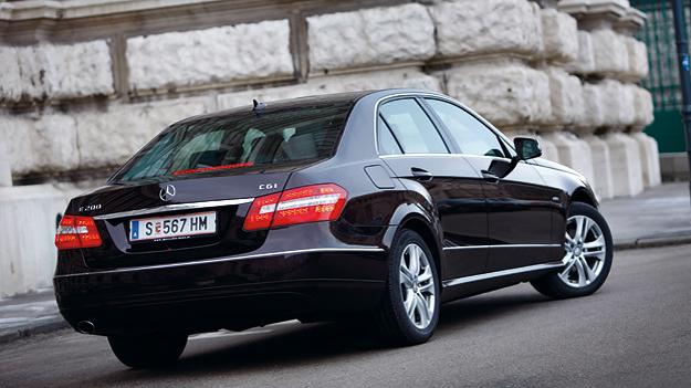 Mercedes E200 CGI Exterieur Heck