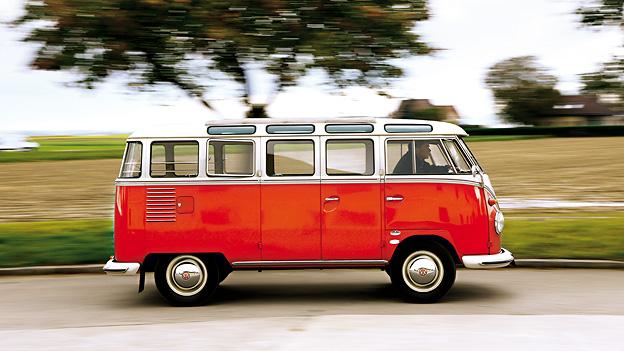 Zeitmaschinen 1951 VW Sambabus Seite Exterieur dynamisch