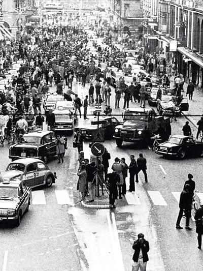 Zeitmaschine 1967 NSU RO80 Das Jahr Straßenseite Schweden
