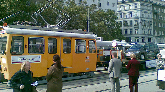 VW Sharan/Straßenbahn