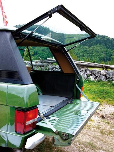 1970 Zeitmaschine Range Rover Exterieur Heck Kofferraum