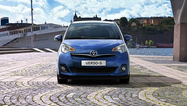 Toyota Verso-S stat vorne