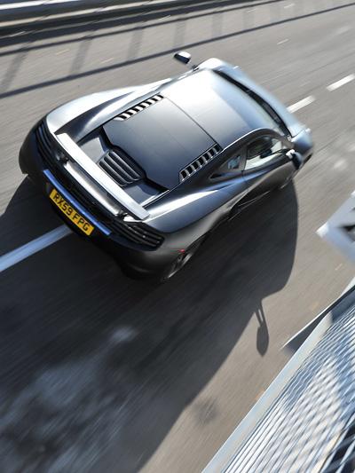 McLaren MP4-12C Exterieur dynamisch Heck Oben