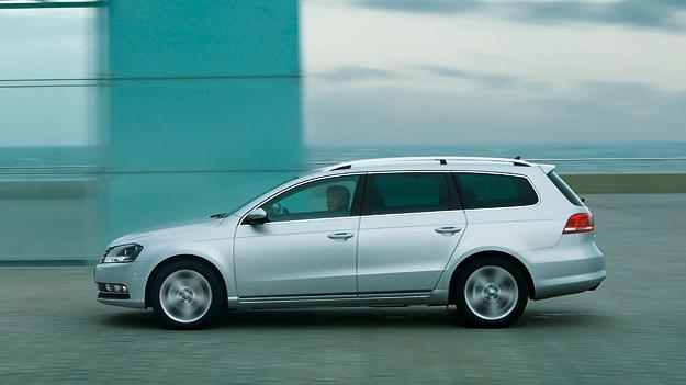 VW Passat Variant Exterieur Dynamisch Seite