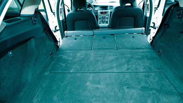 Volvo V60 Kofferraum Interieur
