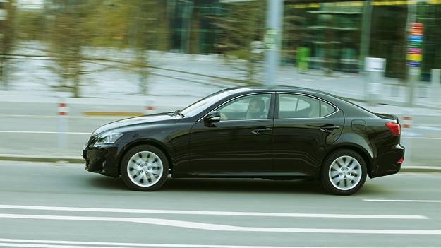 Lexus IS 200d Exterieur Dynamisch Seite