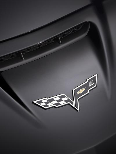 Centennial Corvette Exterieur Detail Logo