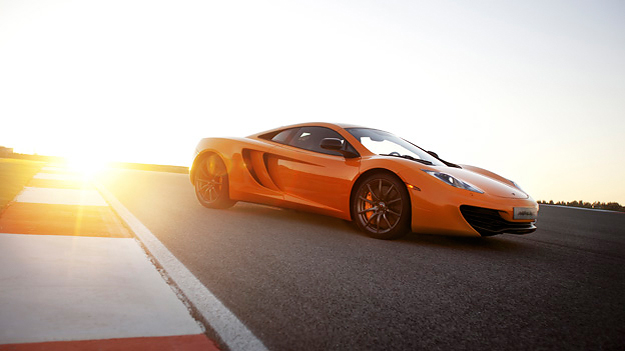 McLaren MP4-12C Exterieur Dynamisch Front Seite