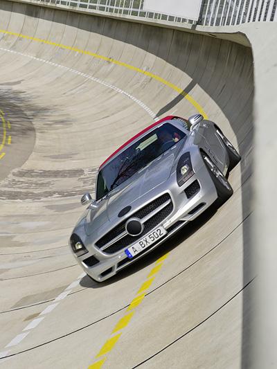 Mercedes AMG SLS Cabrio Exterieur Dynamisch Front