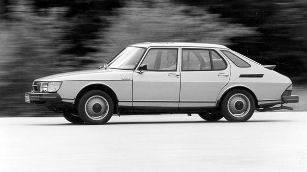 Saab 900 Turbo Exterieur Dynamisch Seite