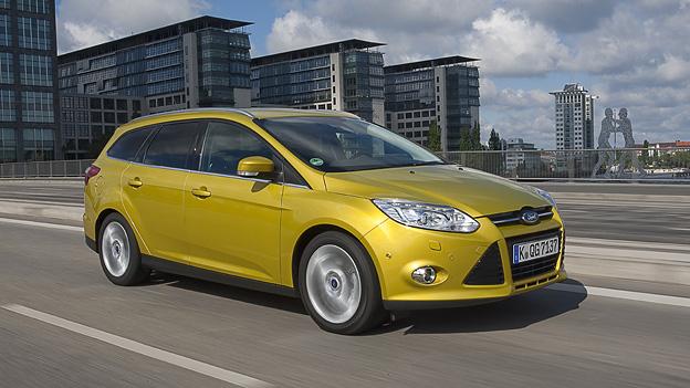 Ford Focus Turnier Kombi Exterieur Dynamisch Front Seite
