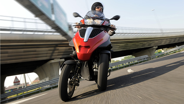Piaggio MP3 300ie Yourban LT Exterieur dynamisch Front