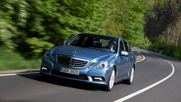 Mercedes-Benz E-Klasse dyn voli
