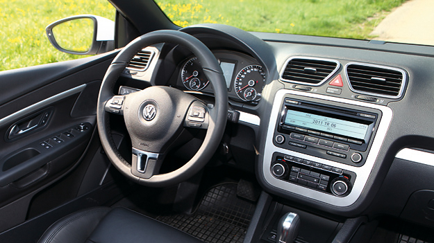 VW Eos 2,0 TDI BlueMotion DSG Interieur