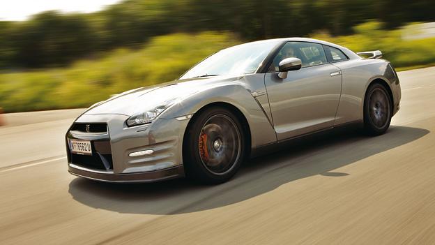 Nissan GT-R dyn voli