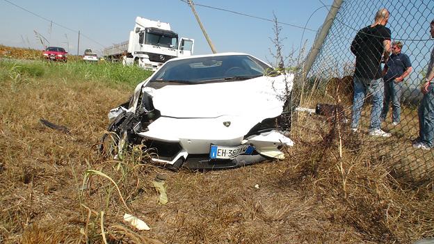 Lamborghini Aventador Crash accident Unfall