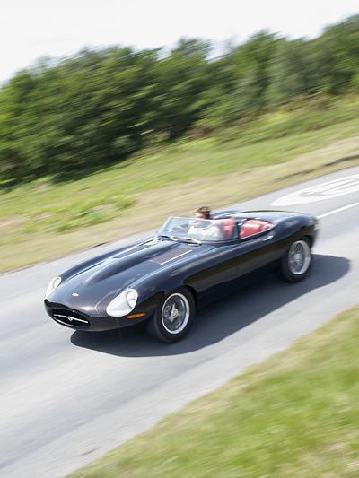 Jaguar Lightweight E-Type Speedster by Eagle Exterieur Dynamisch Front seite oben