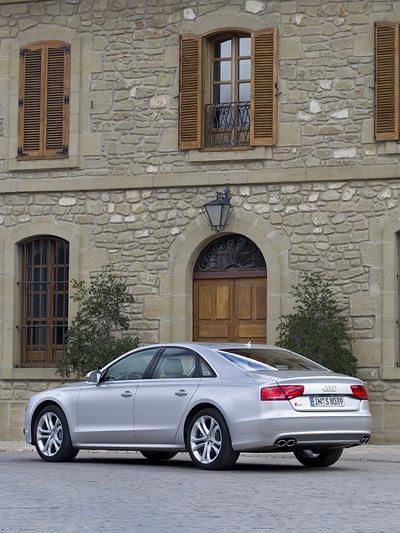 Audi S8 Exterieur Statisch Seite Heck