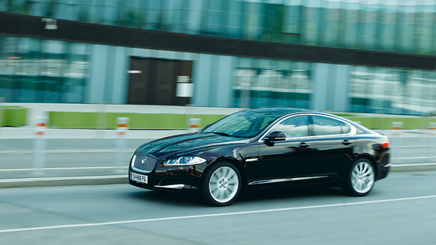Jaguar XF dyn voli