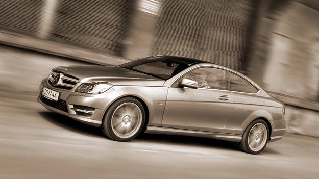 Mercedes-Benz C350 Coupé Exterieur Dynamisch Front Seite
