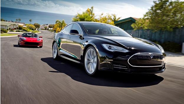 Tesla Model S Dynamisch Front Exterieur
