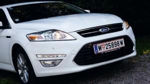 Ford Mondeo Traveller stat vorne