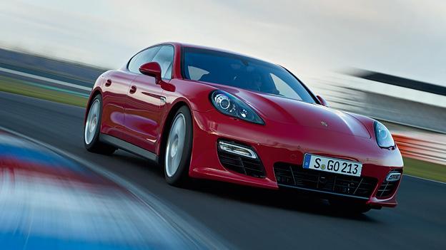 Porsche Panamera GTS Exterieur dynamisch Front