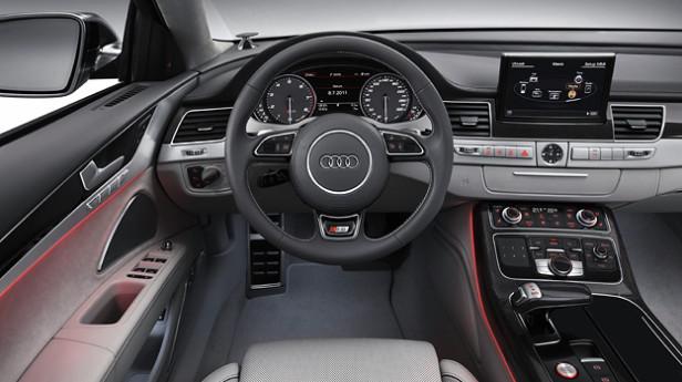 Audi_S8_2