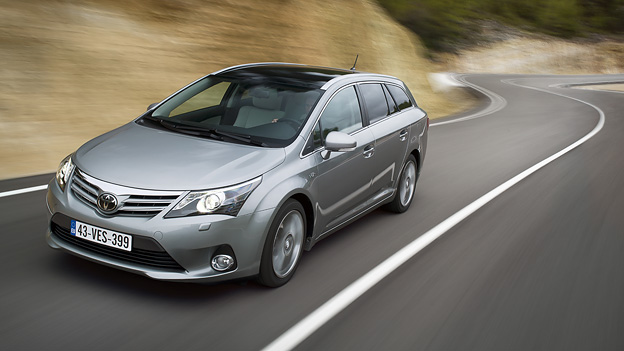 Toyota Avensis Exterieur Dynamisch Front