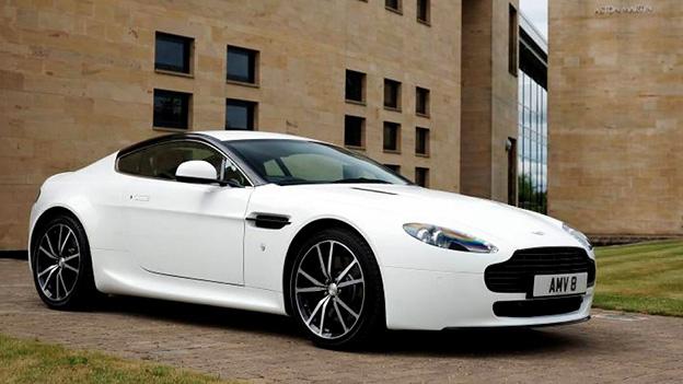 Aston Martin James Bond Bond Girl
