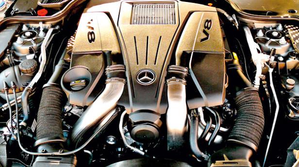 Mercedes-Benz-SL500-Motor
