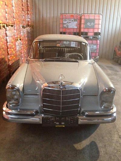 Mercedes BEnz 220sb 1960 Heckflossen grosse flosse Front