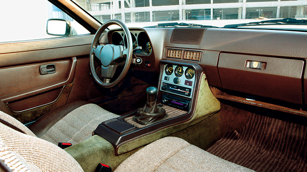 Porsche 944 whispering eighties for Porsche 944 interieur