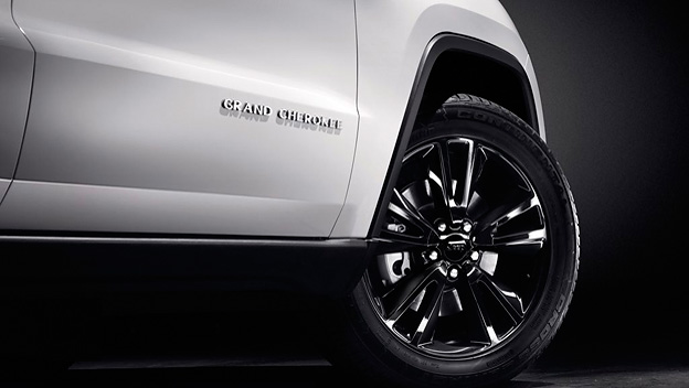 Jeep Grand Cherokee S-Limited Detail