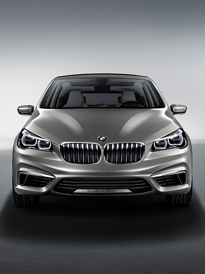 BMW Concept Active Tourer Van Frontantrieb Dreizylinder PAris Messe Autosalon 2012