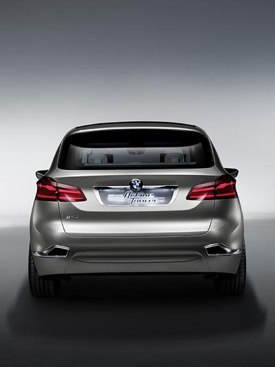 BMW Frontantrieb Dreizylinder drei Zylinder Autosalon Messe PAris 2012 Kommentar