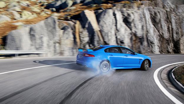 Jaguar XFR-S Los Angeles Autoshow Messe LA