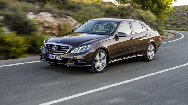 Mercedes E-Klasse 2013 dynamisch vorne links