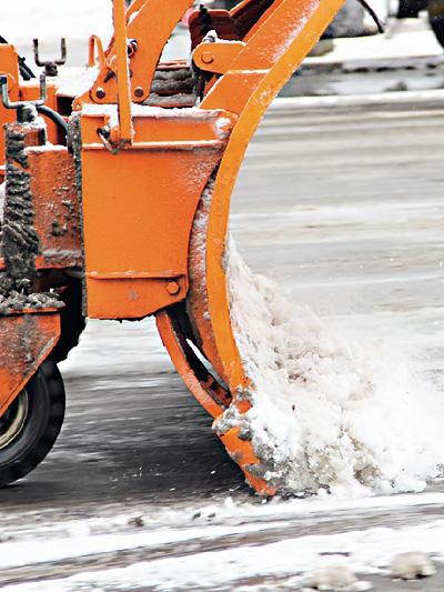 Streusalz Rost Verkehr im Winter Schnee Matsch Gatsch Schneeräumer Asfinag Eis