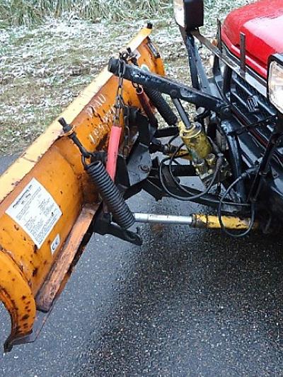 Suzuki Samurai SJ Schnee Wetter Gebrauchtwagen Oldtimer Schneeräumer