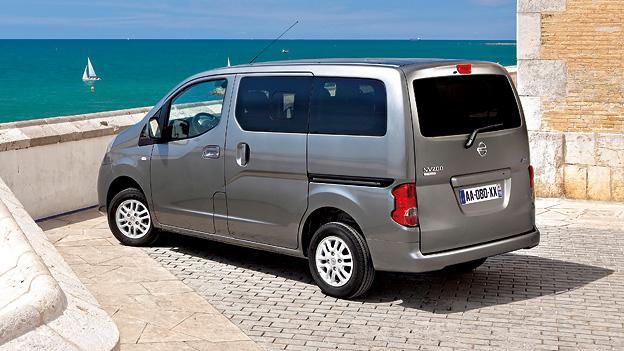 Nissan NV200 Evalia statisch hinten links. Quelle: Werk