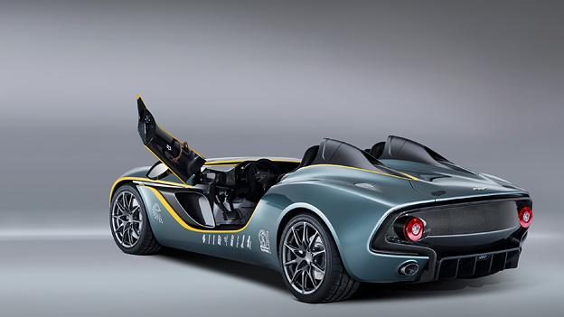 Dieses Türkonzept nennt Aston martin Schwanenflügeltür - leicht nach vorne und oben.